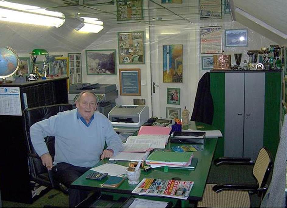 Jacques Piot dans ses bureaux à<BR/>Franqueville-Saint-Pierre