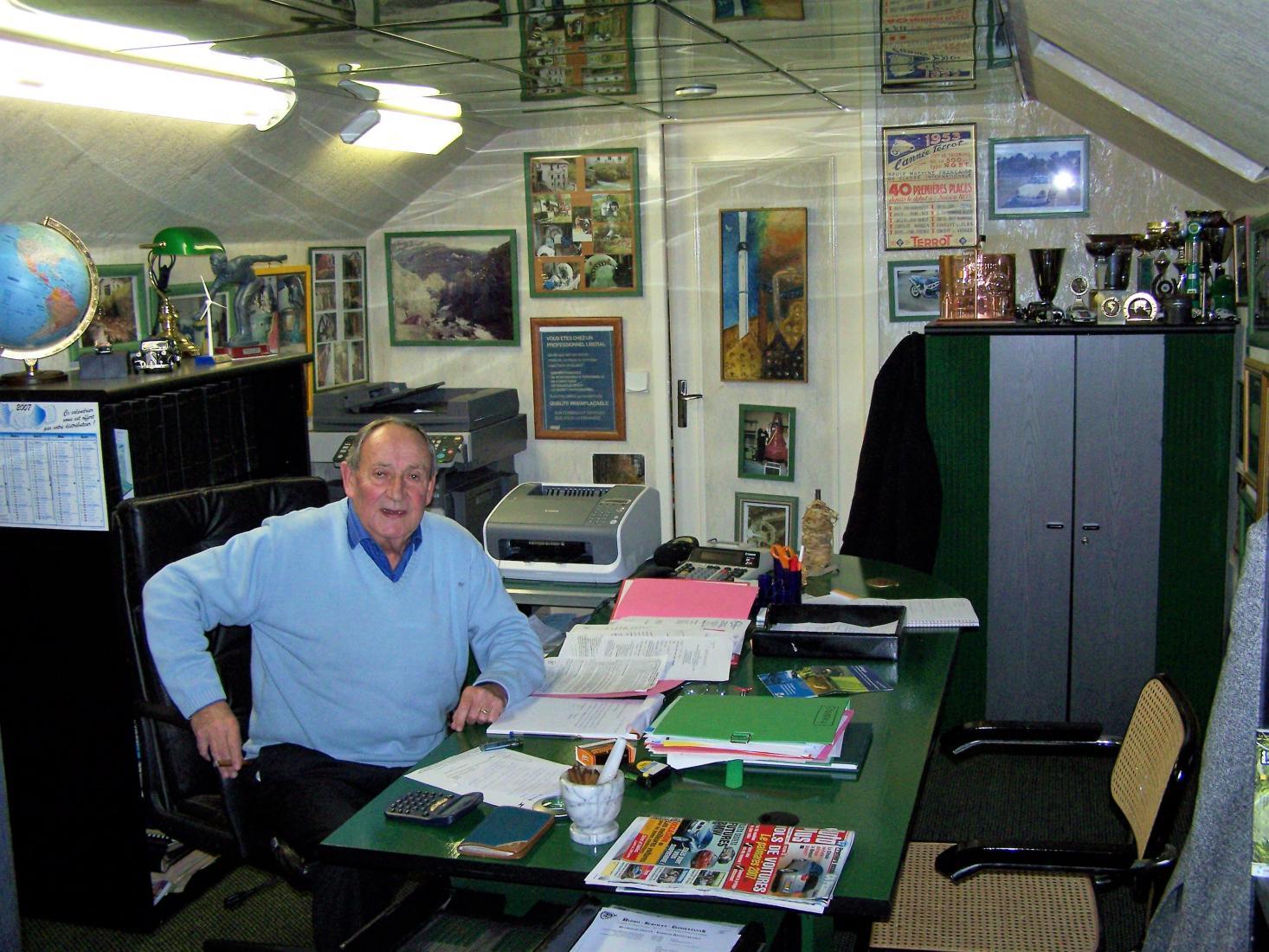 Jacques Piot dans ses bureaux <BR/>à Franqueville-Saint-Pierre