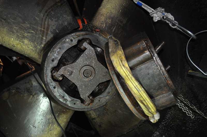 turbine Kaplan Dumont en cours de démontage